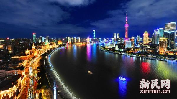 浦江两岸璀璨美景迎盛会