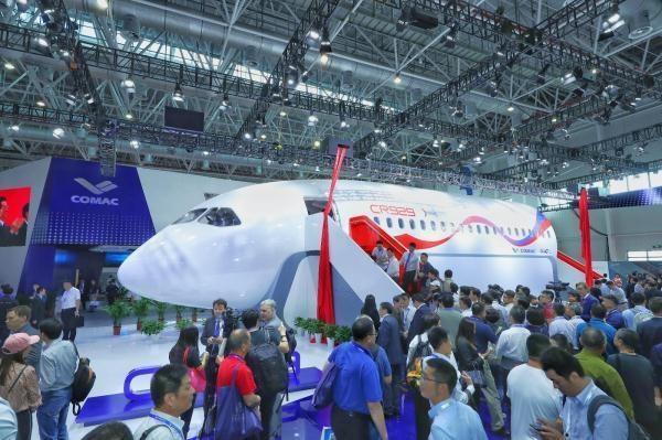 第十二届中国航展 | 中俄CR929远程宽体客机展示样机上午揭幕