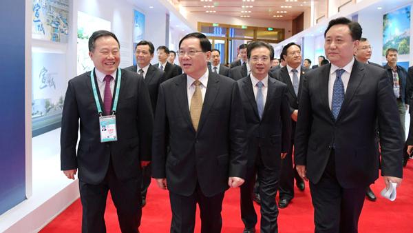 李强出席进博会G60科创走廊九城市扩大开放政策发布会,30项举措服务这一国家战略