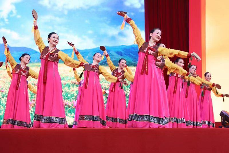视频丨舞动裙摆,尽显芳华,这里的广场舞不一般!