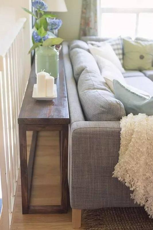 只是把沙发往前挪10cm,客厅立马大了5㎡!