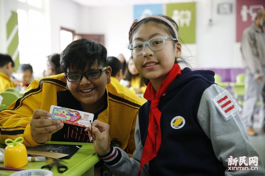新加坡德新小学一行到访朱泾小学