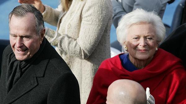 """美前总统老布什逝世 今年曾因""""血液感染""""送医治疗"""