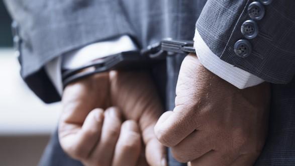 公安部:特大海外医疗诈骗案告破 涉案金额近10亿元