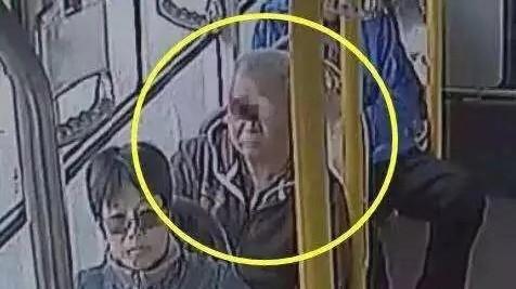 全城寻人!上海这位老人,你顺走的是别人的救命钱!