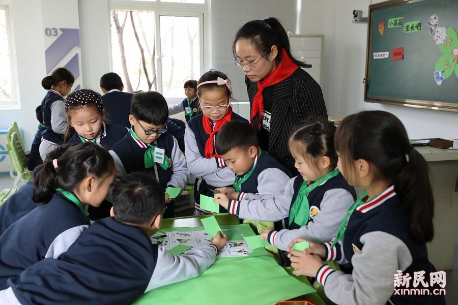 金山区少先队辅导员培训在朱泾小学举行
