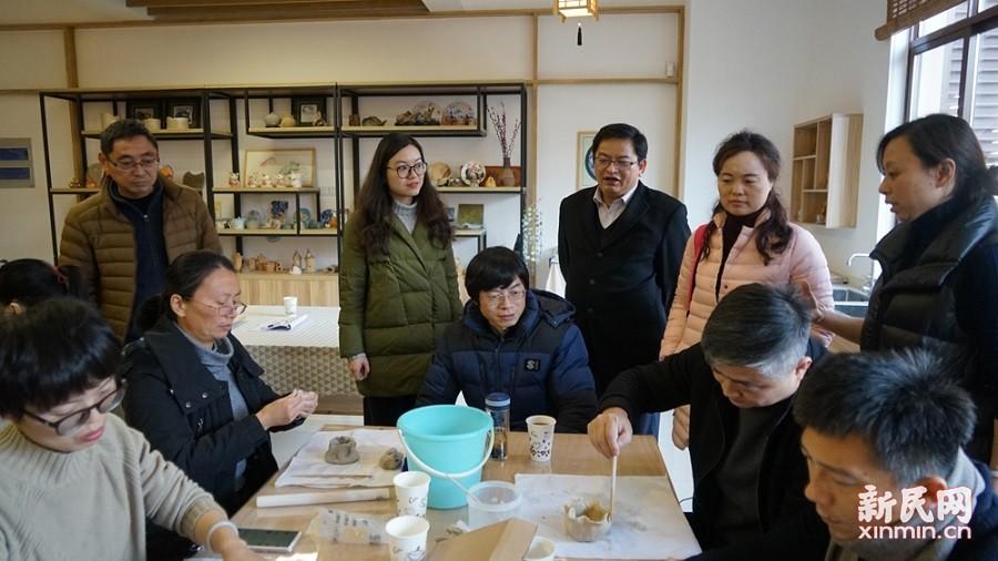 苏州市吴江区校长培训班学员到金卫中学参观