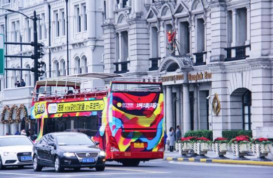 """双层巴士""""新装""""上街  登陆魔都核心地标圈"""