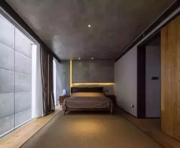 当卧室有了灯带之后……