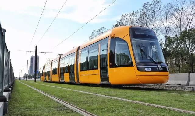上海全新有轨电车开通运营,你想去坐坐看吗?
