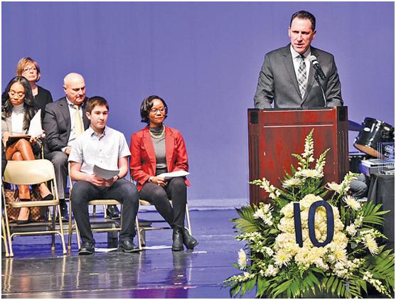 建校十年成为美国知名IB高中的秘诀——专访艾威达Macomb校长