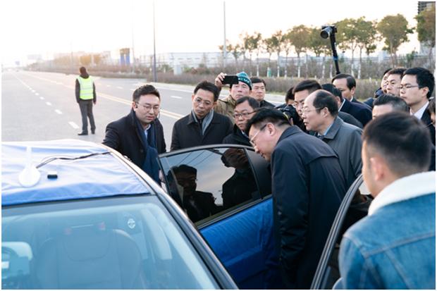 """全球首条车路协同自动驾驶智能化城市道路开通运行 华人运通""""三智""""战略快速落地-第4张图片-汽车笔记网"""