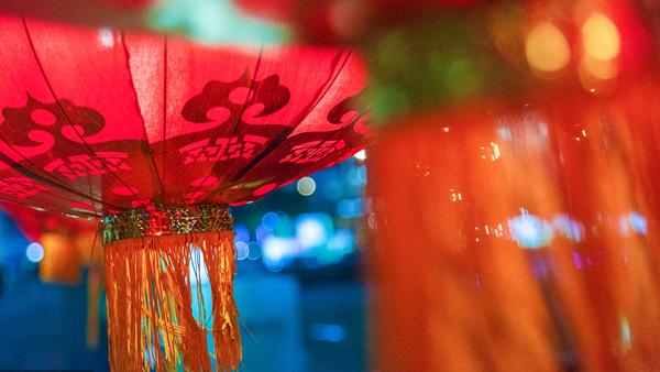 """【新时代新作为新篇章】传统与新潮相互碰撞出""""上海年味"""" 春节七天全市发生消费177.3亿元"""