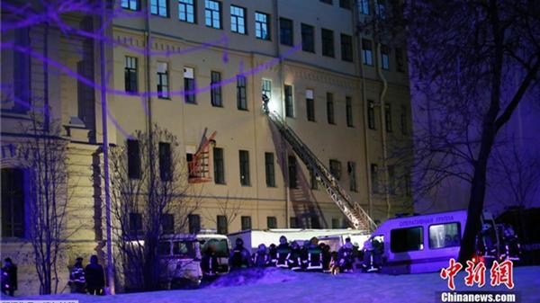 俄圣彼得堡建筑垮塌已致86人疏散 或还有人员被埋