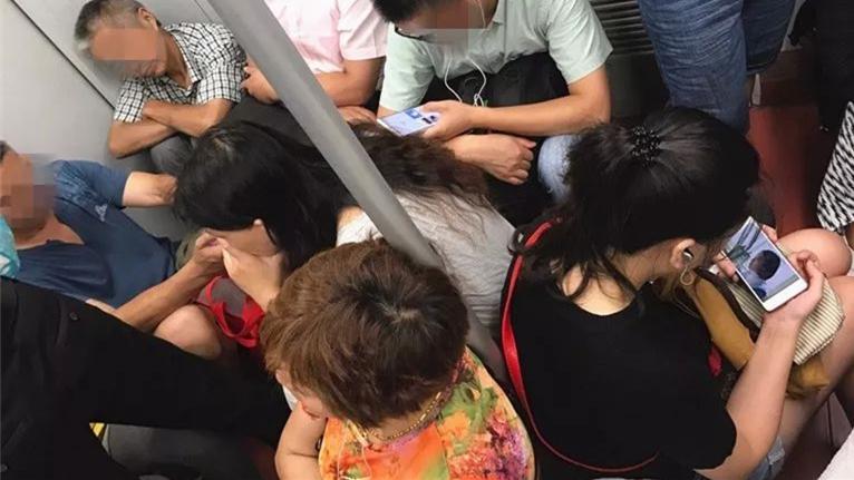 上海最长轨交11号线率先官宣:对小板凳说NO