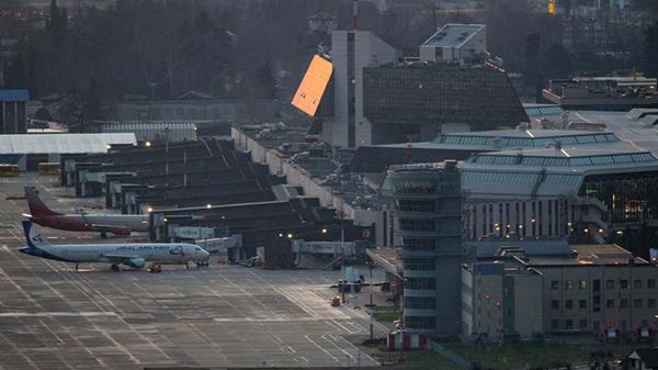 俄罗斯1架波音737-800降落时故障 机上有106名乘客