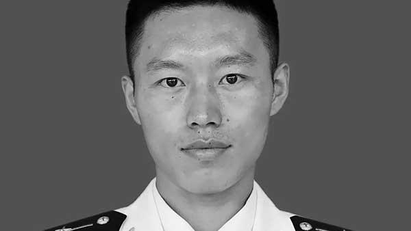 因训练失事牺牲海军飞行员任永涛、粘金鑫被批准为烈士