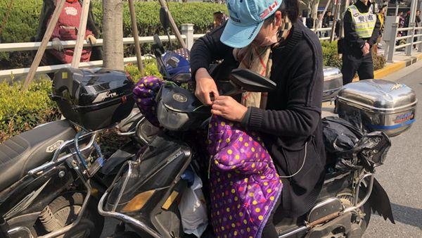 视频 | 上海开展非机动车、行人交通违法专项整治