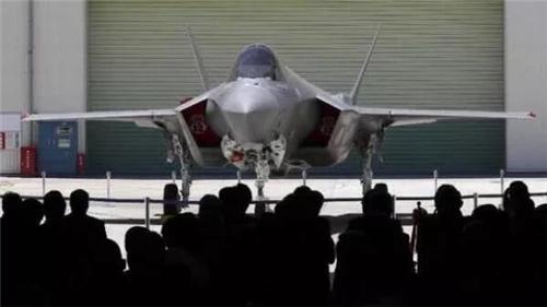 真不是我们当笑话看,F-35这一摔,日美都跌得不轻