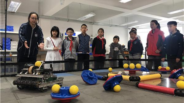 沪上民办中小学本周末起举行校园开放日 05后最关心:学校能发挥我的特长吗?
