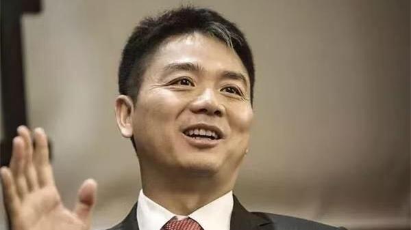 再起波澜:刘强东性侵案女学生提起民事诉讼 索赔5万美元