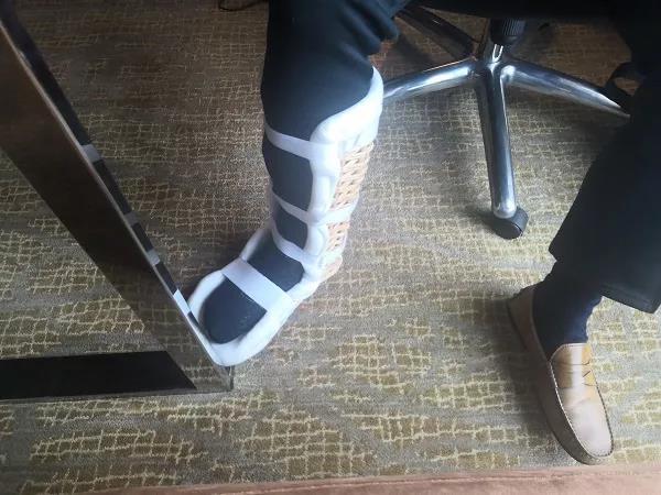 五星级酒店服务是这样?顾客因一脚踏空致骨折,他们却说……
