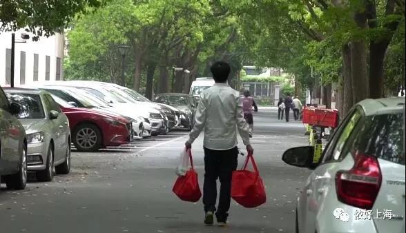 太暖心!上海一餐厅老板坚持5年送免费午餐!