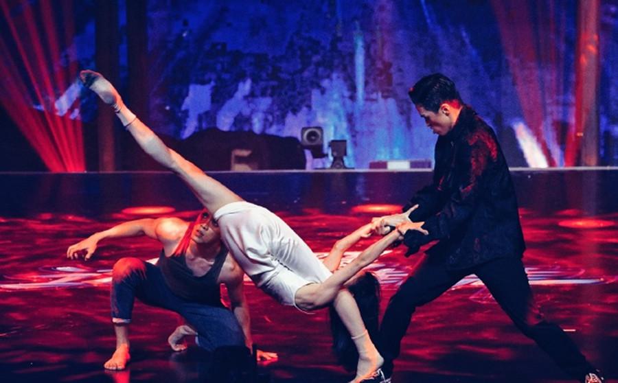 本届《这就是街舞》最燃最炸的舞蹈!被上海80后女神瞬间圈粉!