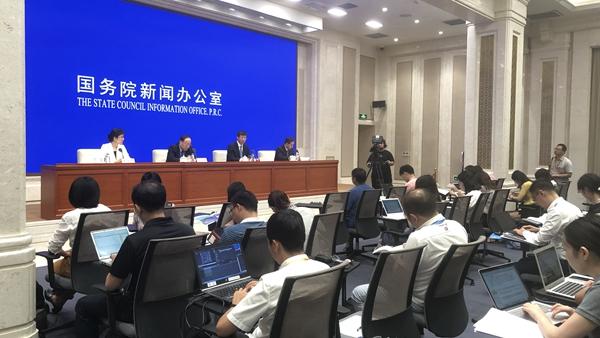 许昆林:上海进入备战工作状态 精心办好第二届进博会