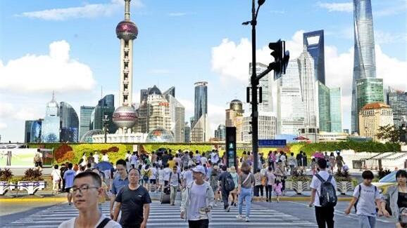 """夏夜,每晚超40万人在这0.5平方公里区域""""聚会"""",整个上海的警用高科技都用上了!"""