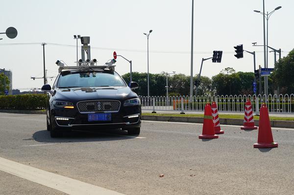见所未见·AI上海 AI未来|酷炫!无人驾驶体验记