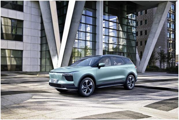 爱驰汽车第一批创新渠道合作伙伴正式签约