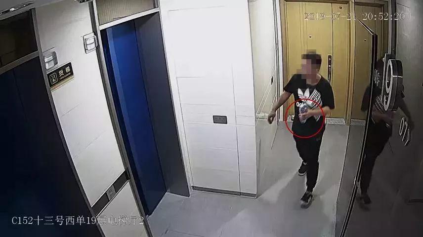 上海一装修设计师拿着客户钥匙入室行窃!