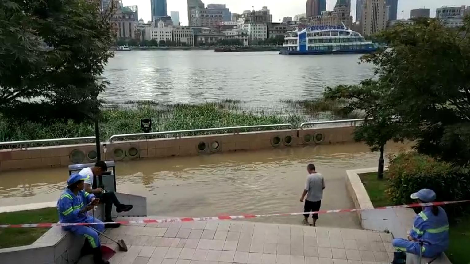 视频 | 风雨天水边有危险 亲水岸封闭守安全