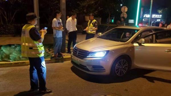 拒载、议价、黑车、绕道... 上海重拳整治出租车违法