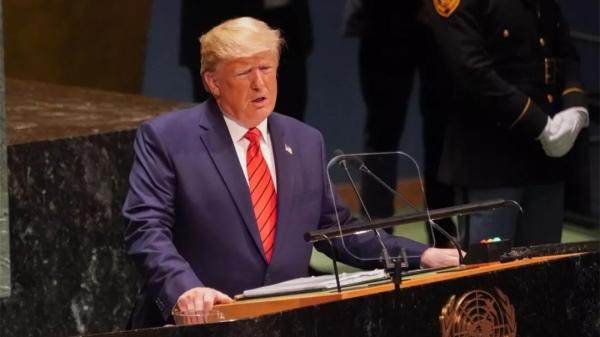 """好无聊!特朗普联大发言连去年的""""哄笑""""都没捞着 而商务部长的反应却亮了"""