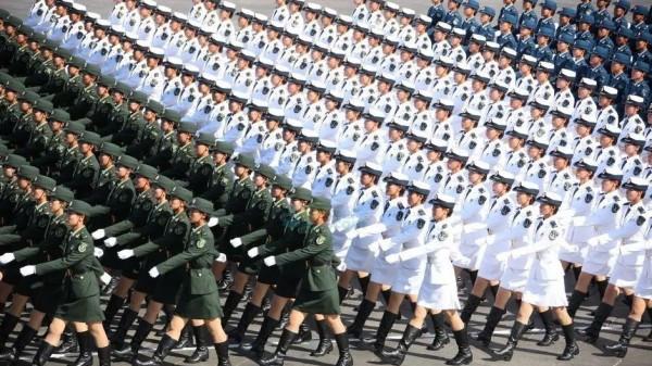 """70周年华诞,外媒集体围观…他们都在猜,阅兵式上哪些""""拉风""""装备会登场"""