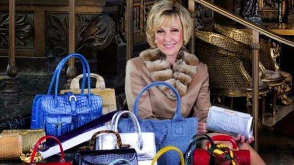 特朗普的驻南非新大使,居然是个卖奢侈品包包的……她的上位史,有点神奇