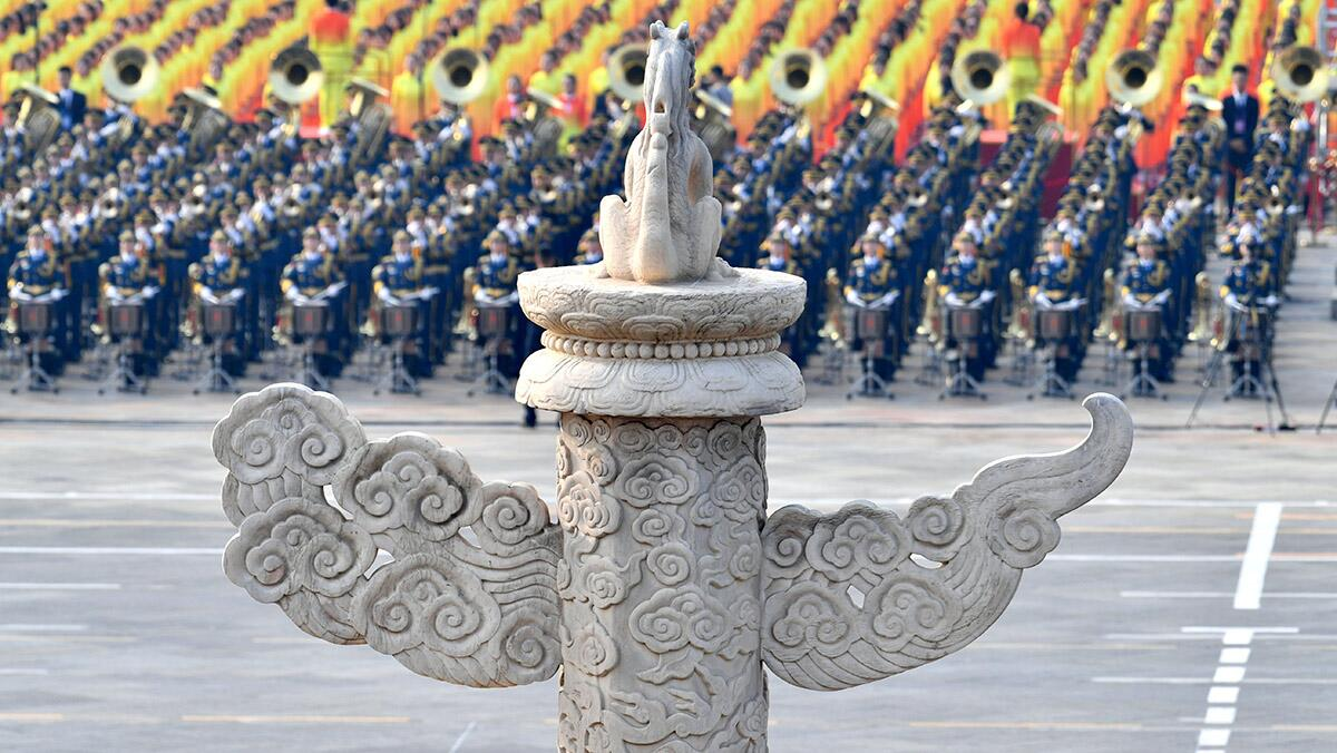 参加受阅的12个空中梯队在华北各机场待飞