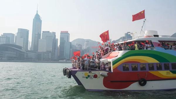 刘Sir:国家的强大让我们很安心!香港各界热议国庆阅兵和群众游行