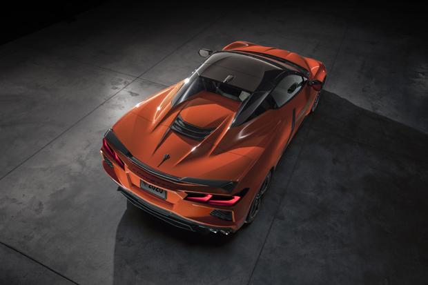 雪佛兰发布2020款科尔维特Stingray敞篷跑车和C8.R赛车