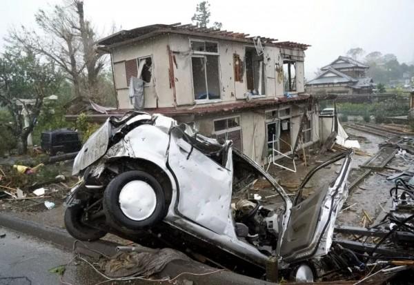 台风、地震、火山喷发……一天内遭遇大自然N连击,日本最新地址昨天确实惨