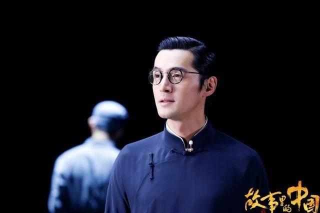 看哭了!上海小囡胡歌与刘涛一起上了央视,这次是向英雄致敬!