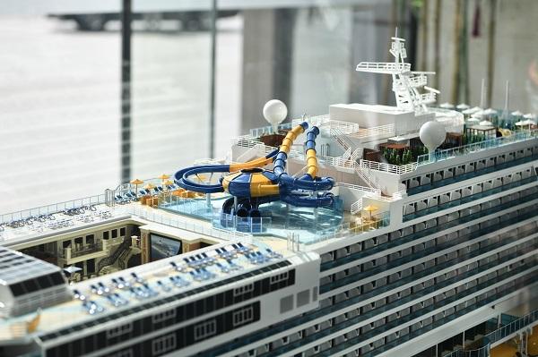 """【新时代新作为新篇章】""""上海智造""""来了!首艘国产大型邮轮上午在沪开工"""