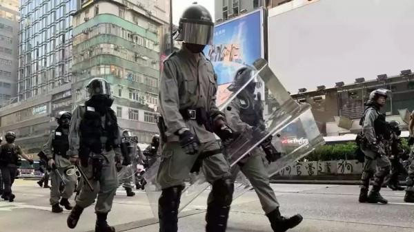 """香港""""增警"""",数量或达千人"""