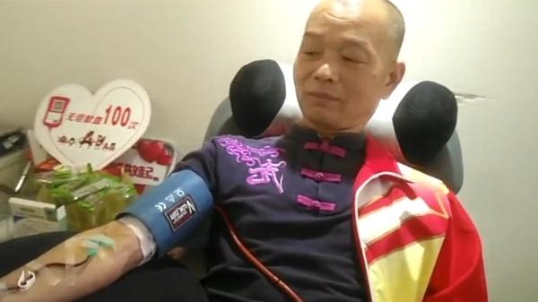 新民拍客 | 退伍军人13年献血100次:挽救他人生命是最大的快乐