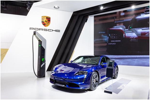 保时捷重磅新能源车型亮相第二届进博会