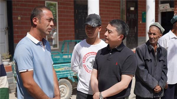 工作即责任、援疆即奉献——记第九批上海援疆干部前指规划管理组副组长 彭军