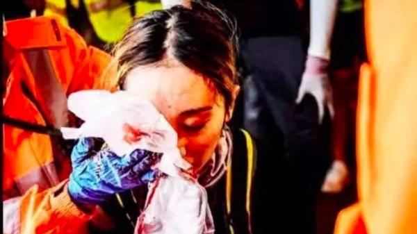 """""""曝眼女""""败诉,谣言揭穿,可""""修例风波""""带给香港的损失谁来埋单?"""