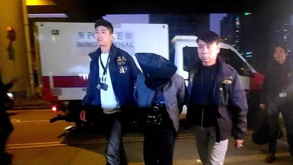 """香港80余个不法教师被捕,然而更坏的躲在幕后的""""黄师""""呢?"""